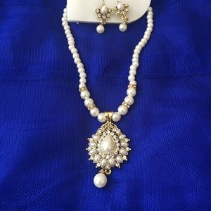 Jewelry - Pearl necklace and earrings set!